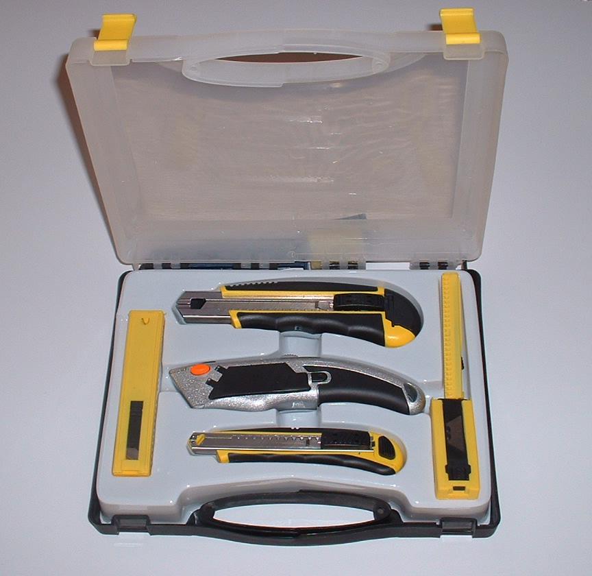 Cuttermesser-Set wahlweise mit oder ohne Koffer. 33-tlg. bzw. mit Koffer 34-tlg.