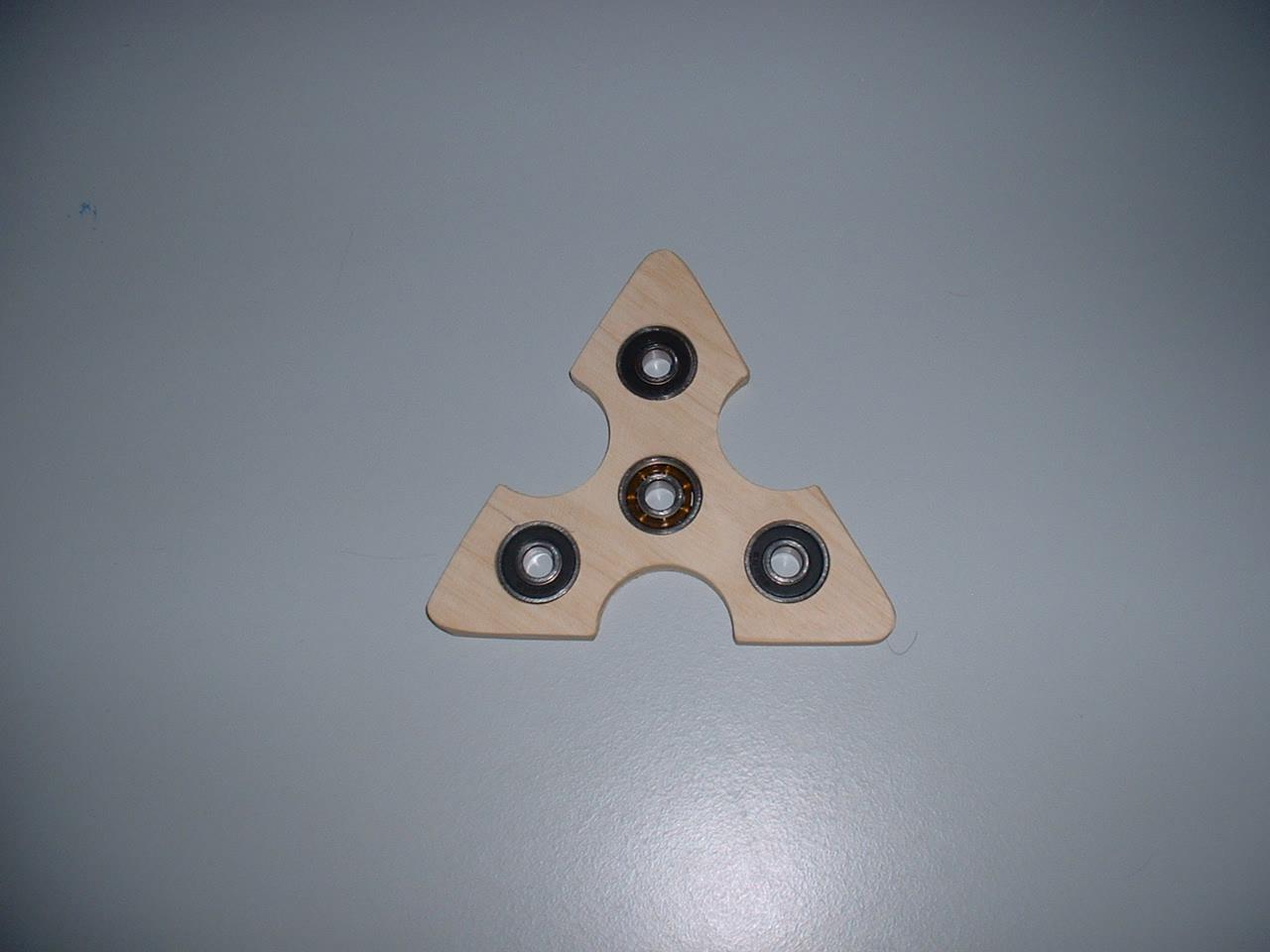 fidget spinner finger spinner drehkreisel aus holz mit kugellager gekaho. Black Bedroom Furniture Sets. Home Design Ideas